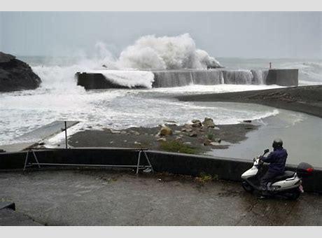 台风海贝思重创日本新干线被日本台风海贝思最新报道淹没 26人遇难 日本新干线被淹没或整车报废